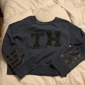 Long sleeve, cropped Timmy Hilfiger shirt